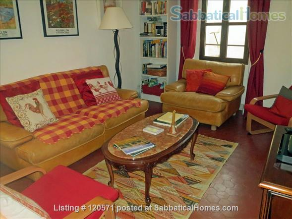 Experience Village Life in our Bonnieux (Luberon) Apartment Home Rental in Bonnieux, Provence-Alpes-Côte d'Azur, France 0