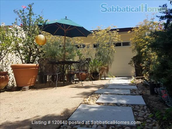 Furnished Los Angeles Studio/Cottage near beaches, bike path, UCLA, LMU Home Rental in Los Angeles, California, United States 2