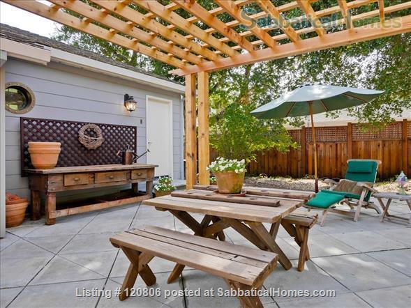 1 Bedroom, 1 Bath Cottage  Home Rental in Los Altos Hills, California, United States 8