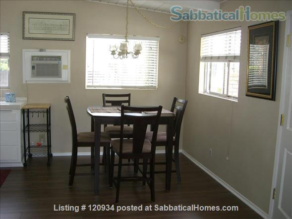 Sunny Santa Barbara cottage with private yard Home Rental in Santa Barbara, California, United States 3