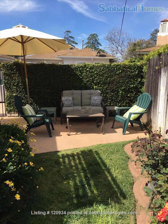 Sunny Santa Barbara cottage with private yard Home Rental in Santa Barbara, California, United States 5