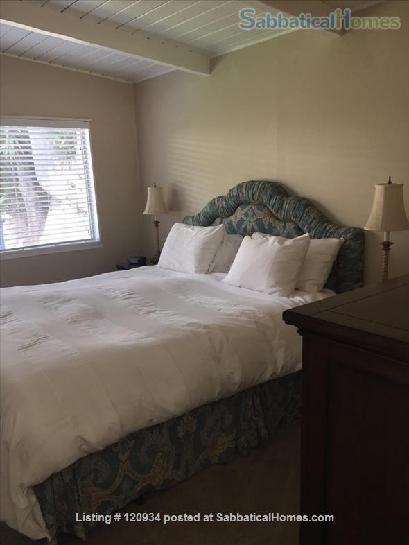 Sunny Santa Barbara cottage with private yard Home Rental in Santa Barbara, California, United States 7