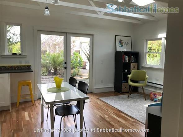 Lovely Fully-furnished Backyard Berkeley Cottage Home Rental in Berkeley, California, United States 1