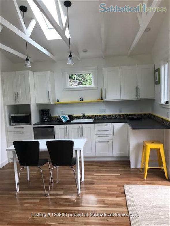 Lovely Fully-furnished Backyard Berkeley Cottage Home Rental in Berkeley, California, United States 0
