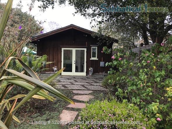 Lovely Fully-furnished Backyard Berkeley Cottage Home Rental in Berkeley, California, United States 5