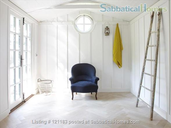 BEAUTIFUL INTERIOR DESIGNED SEMI-DETACHED VICTORIAN HOME IN LONDON Home Rental in London, England, United Kingdom 7