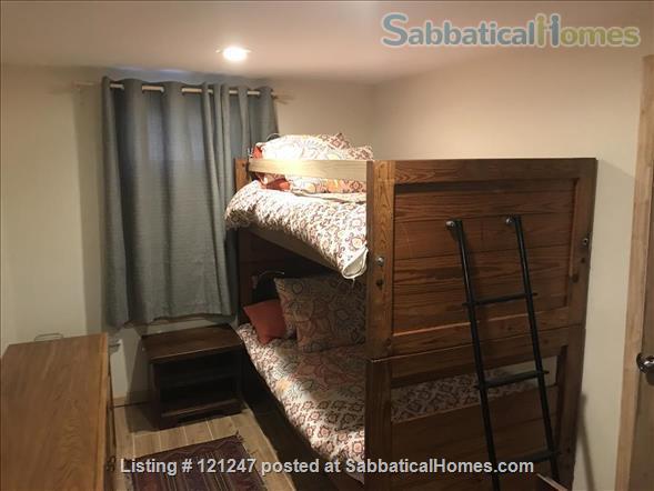 Ravensnest Bungalow - Sun-Filled English Basement Home Rental in Takoma Park, Maryland, United States 8