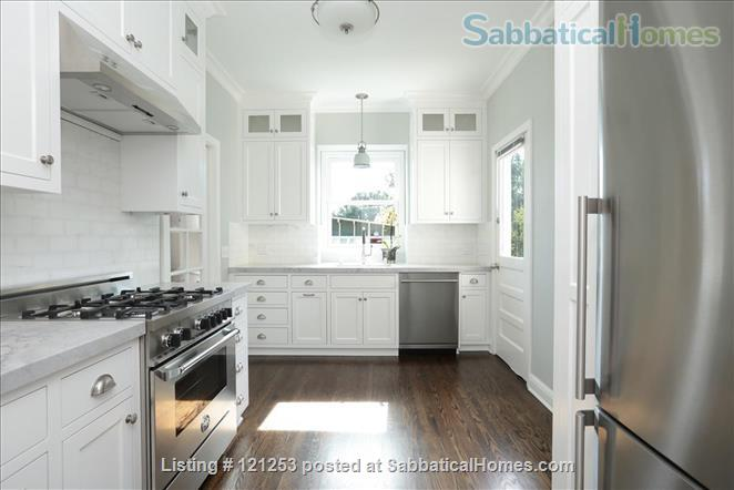 Exceptional Apartment. Fully Furnished 2 Bd 1.5 Ba + Office. Downtown North Home Rental in Palo Alto, California, United States 1