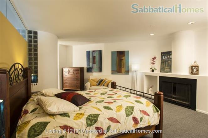 """Loft in """"West Town"""" Home Rental in Chicago, Illinois, United States 0"""