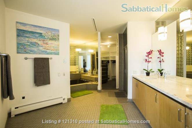"""Loft in """"West Town"""" Home Rental in Chicago, Illinois, United States 3"""