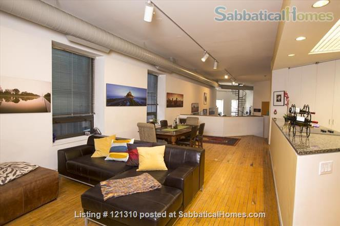 """Loft in """"West Town"""" Home Rental in Chicago, Illinois, United States 4"""