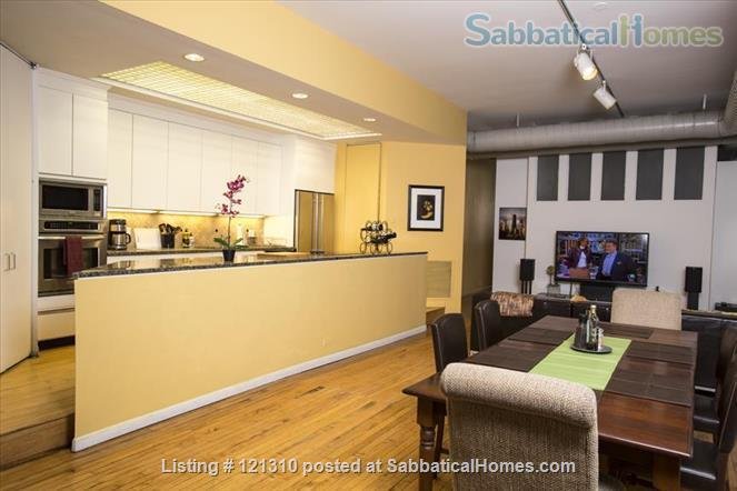 """Loft in """"West Town"""" Home Rental in Chicago, Illinois, United States 5"""