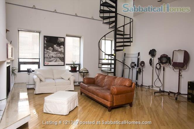 """Loft in """"West Town"""" Home Rental in Chicago, Illinois, United States 6"""