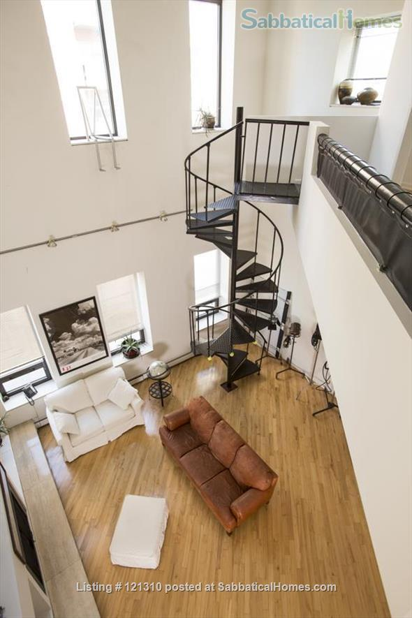 """Loft in """"West Town"""" Home Rental in Chicago, Illinois, United States 7"""