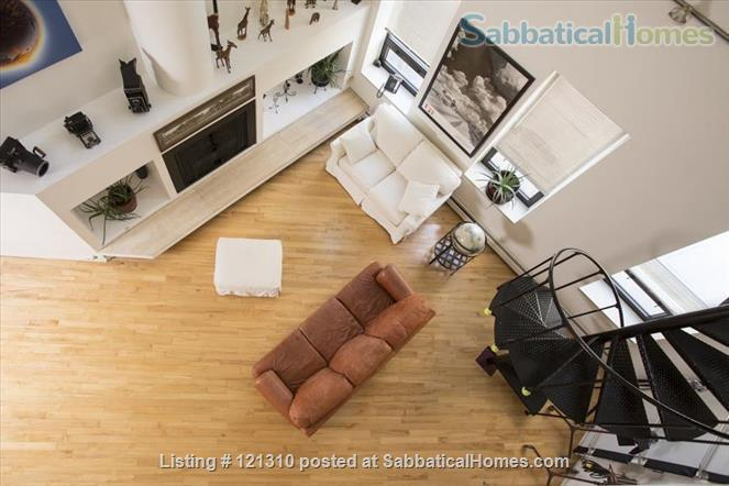 """Loft in """"West Town"""" Home Rental in Chicago, Illinois, United States 8"""