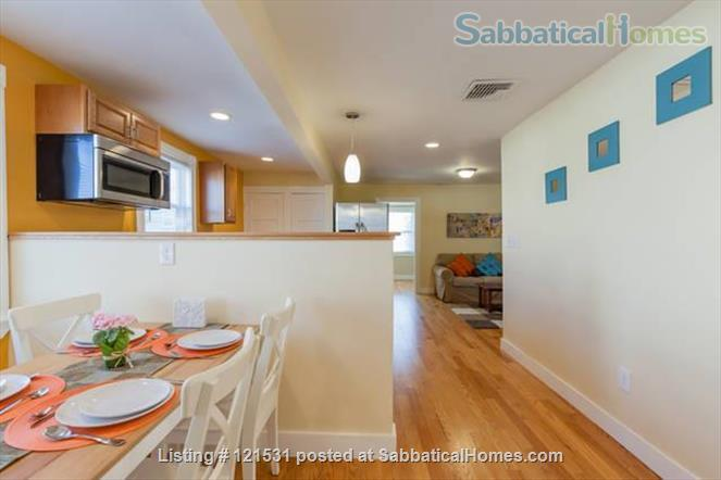 $3450 / 3br - 1000ft2 - Furn. Bright Apt with Central AC and Wifi nr Tufts! Home Rental in Medford, Massachusetts, United States 0