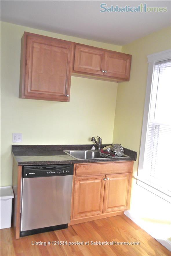 $3990 / 3br - 1000ft2 - Furn. Spacious nr Harvard, w Wifi and Utilities! Home Rental in Somerville, Massachusetts, United States 3
