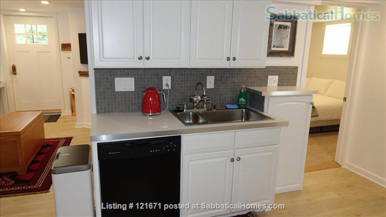 Furnished 1BR 1BA on T, Central Sq. between MIT & Harvard Home Rental in Cambridge, Massachusetts, United States 5