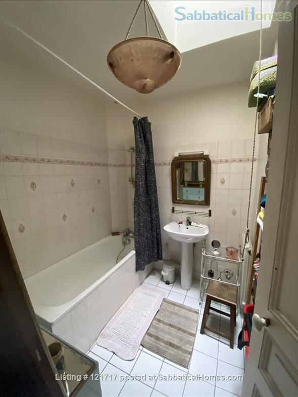 Lovely, sunny and comfortable 1 bedroom in Montmartre Home Rental in Paris, IDF, France 7