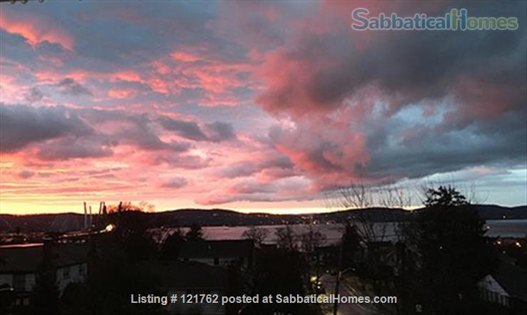Deck with river view in Tarrytown plus express train to Manhattan Home Rental in Tarrytown, New York, United States 9