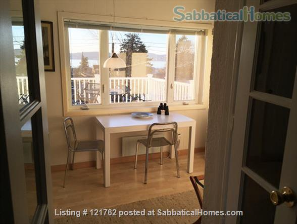 Deck with river view in Tarrytown plus express train to Manhattan Home Rental in Tarrytown, New York, United States 2