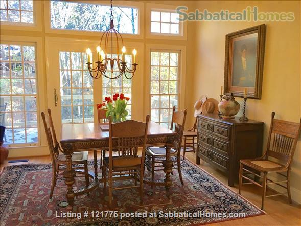 Charming 3 BR, 3 BA home five minutes to UNC, 20 min to Duke Home Rental in Chapel Hill, North Carolina, United States 1