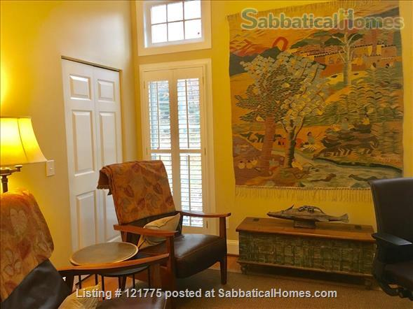 Charming 3 BR, 3 BA home five minutes to UNC, 20 min to Duke Home Rental in Chapel Hill, North Carolina, United States 2