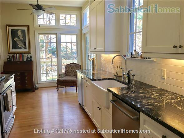 Charming 3 BR, 3 BA home five minutes to UNC, 20 min to Duke Home Rental in Chapel Hill, North Carolina, United States 4