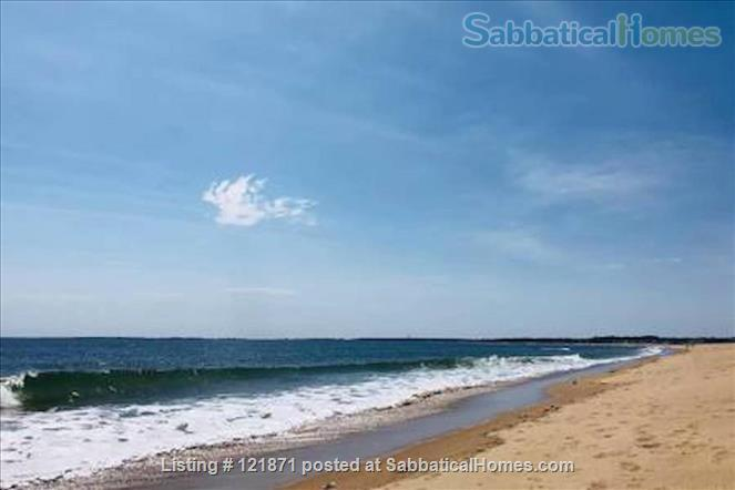 Updated oceanside apartment, 2 bedrooms, steps to the beach, weekly rental Home Rental in Old Orchard Beach, Maine, United States 8
