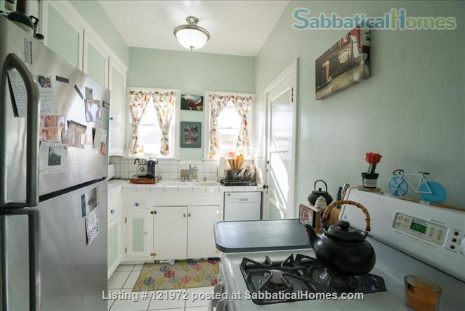 Spacious 1BR/1BA Apartment in Historic Neighborhood Home Rental in Los Angeles, California, United States 4