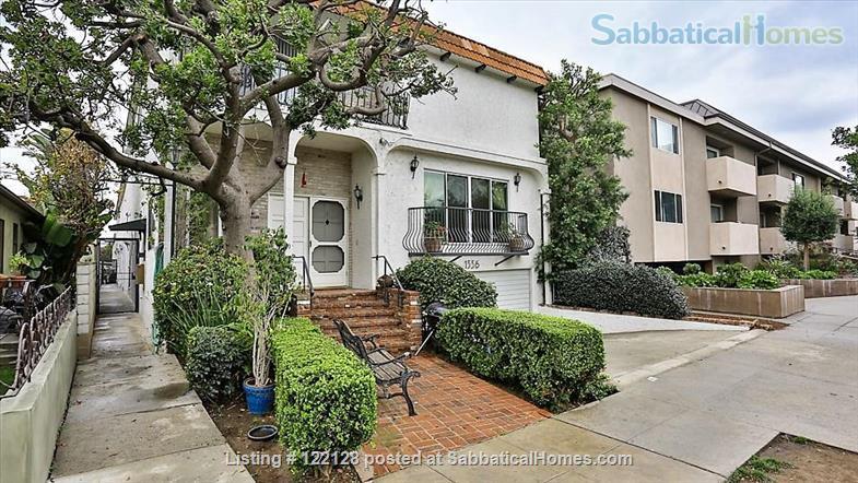 BEAUTIFUL SANTA MONICA, CA, 2 BEDROOMS, 2 BATHROOMS,  A/C AND HEATING Home Rental in Santa Monica, California, United States 1