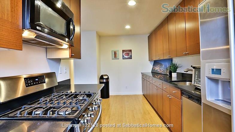 BEAUTIFUL SANTA MONICA, CA, 2 BEDROOMS, 2 BATHROOMS,  A/C AND HEATING Home Rental in Santa Monica, California, United States 3