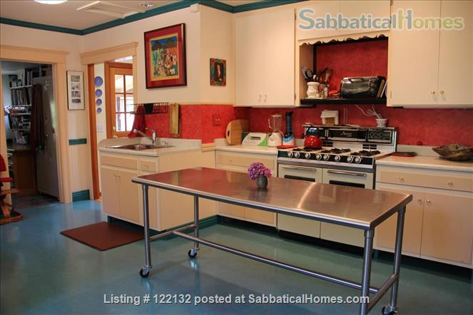 FURNISHED MORNING ROOM IN NORTH OAKLAND, CA CHARMER, 3 BLOCKS TO ASHBY BART Home Rental in Oakland, California, United States 9