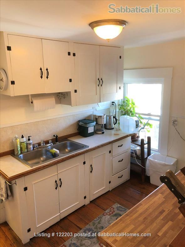 Cambridgeport furnished 2 Bedroom near MIT, BU & Harvard Home Rental in Cambridge, Massachusetts, United States 4