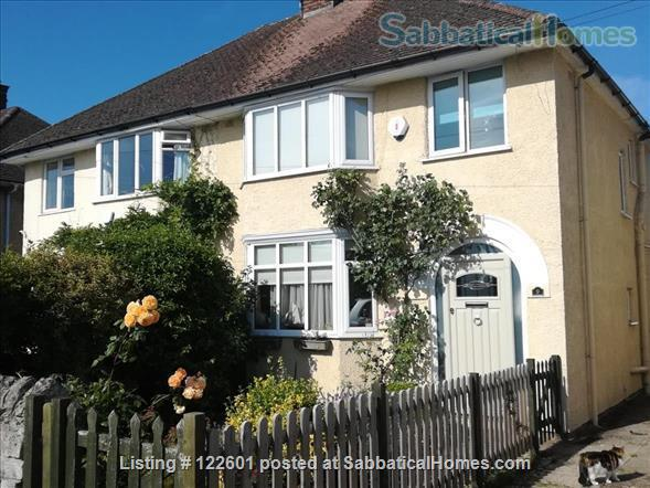 SUMMER LET - Oxford Family Home with lovely garden. 10 mins' drive to city centre, quiet area, easy parking, all bills included.  STILL AVAILABLE FOR 12 DAYS FROM JULY 7 -19. Home Rental in Oxford, England, United Kingdom 1