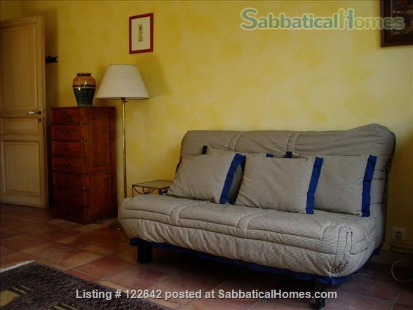 Sunny apartment in the heart of Aix-en-Provence Home Rental in Aix-en-Provence, Provence-Alpes-Côte d'Azur, France 2