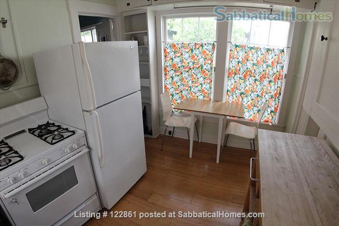 Charming Berkeley Cottage Home Rental in Berkeley, California, United States 4