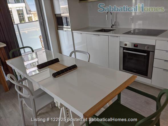 2 bdrm 2 bath in Olympic Village near Seawall Home Rental in Vancouver, British Columbia, Canada 6