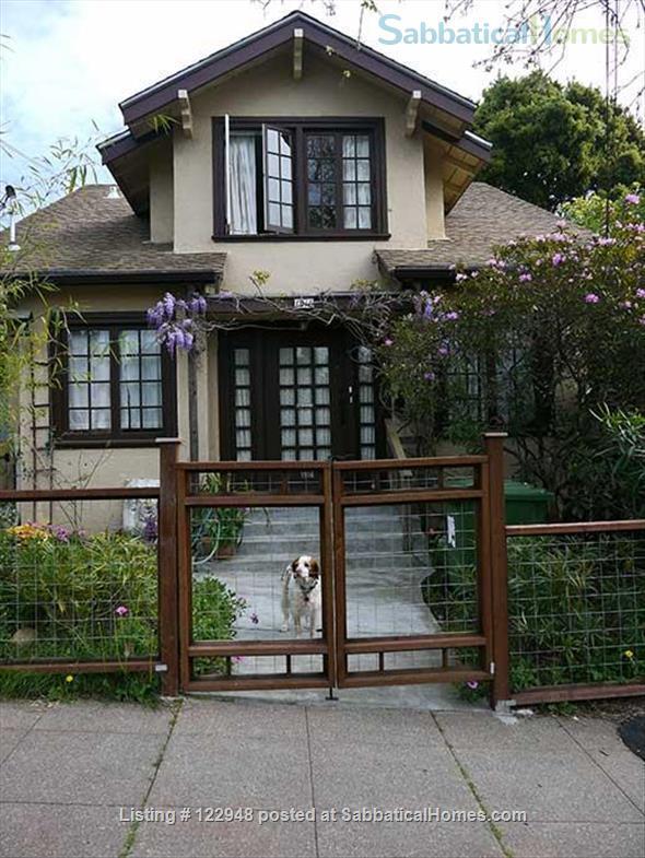 Visiting Female Scholar for North Berkeley Craftsman Room Private Bath Home Rental in Berkeley, California, United States 4
