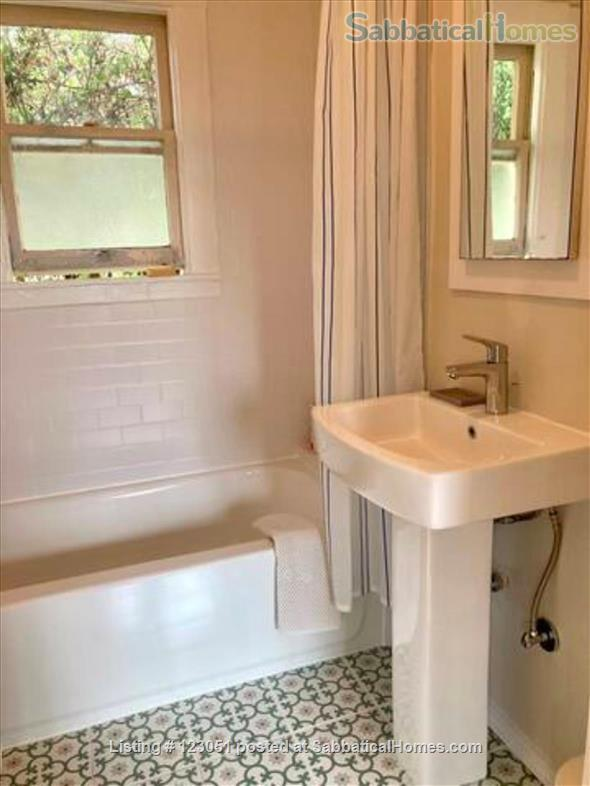 Charming Cottage in Oakland Home Rental in Oakland, California, United States 7