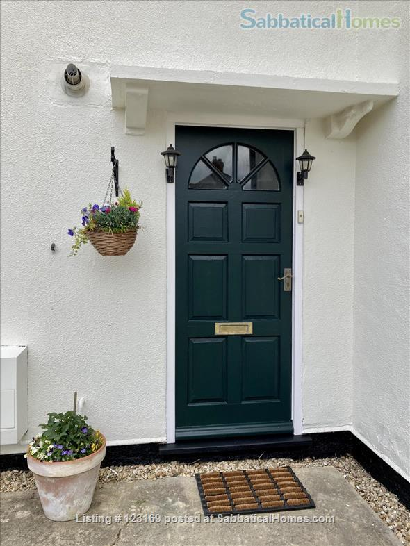 Stylish 1 bedroom flat with private garden - quiet street in Oxford (all inclusive!) Home Rental in Oxford, England, United Kingdom 9