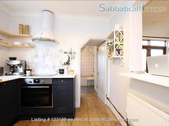Stylish 1 bedroom flat with private garden - quiet street in Oxford (all inclusive!) Home Rental in Oxford, England, United Kingdom 0