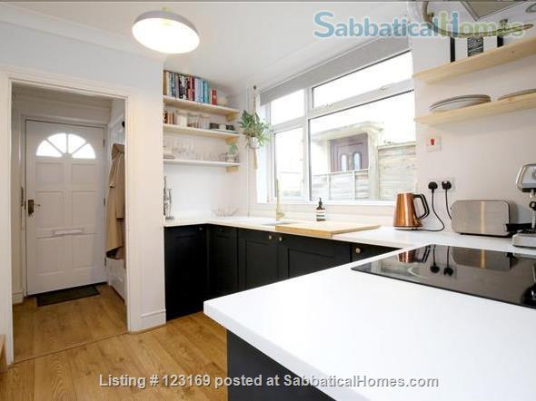 Stylish 1 bedroom flat with private garden - quiet street in Oxford (all inclusive!) Home Rental in Oxford, England, United Kingdom 2
