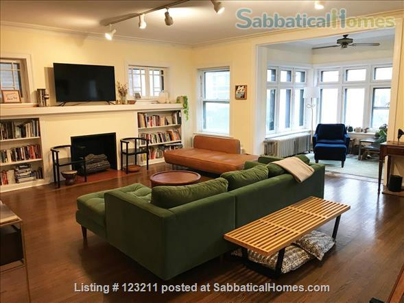 Gorgeous Lincoln Park Apartment. Walk to Lakefront, Shopping,Restaurants. All Wood Floors Home Rental in Chicago, Illinois, United States 1