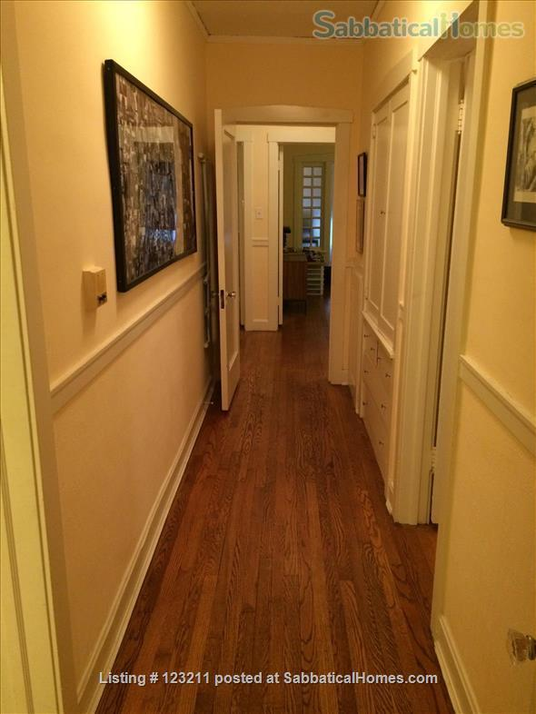 Gorgeous Lincoln Park Apartment. Walk to Lakefront, Shopping,Restaurants. All Wood Floors Home Rental in Chicago, Illinois, United States 5