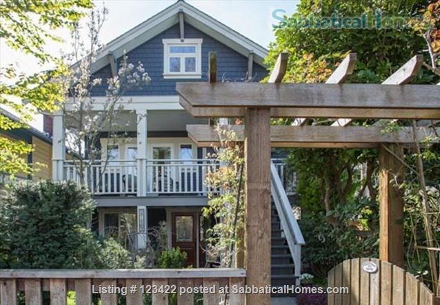 Spacious Kitsilano 2 bdrm duplex, near beach. Home Rental in Vancouver, British Columbia, Canada 1
