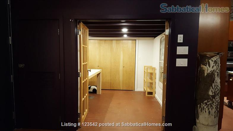 Spacious bright penthouse level artist loft for rent Union Square near MIT Home Rental in Somerville, Massachusetts, United States 4