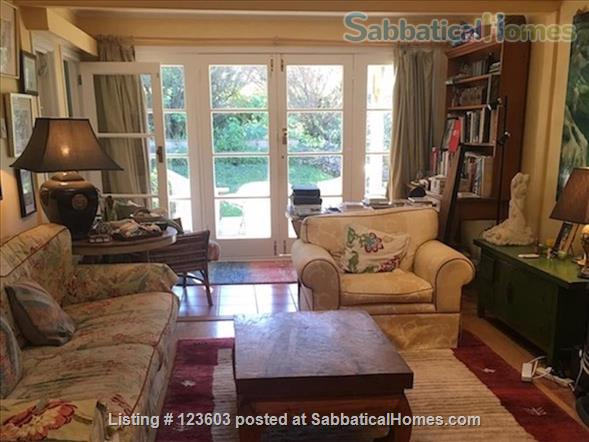WAIHEKE ISLAND COTTAGE CLOSE TO FERRY Home Rental in Auckland, Auckland, New Zealand 1