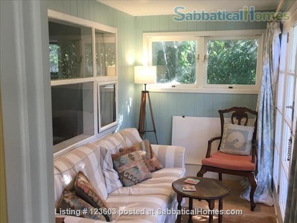WAIHEKE ISLAND COTTAGE CLOSE TO FERRY Home Rental in Auckland, Auckland, New Zealand 3