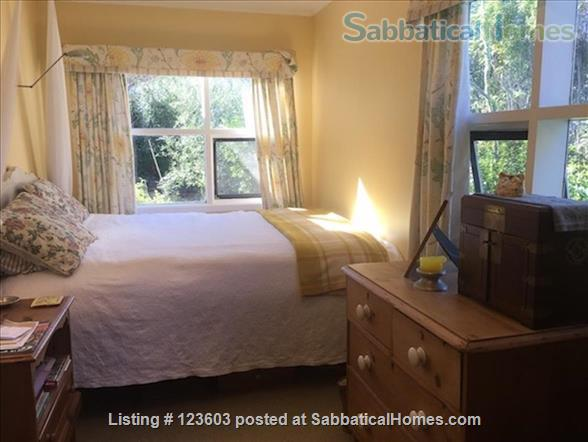 WAIHEKE ISLAND COTTAGE CLOSE TO FERRY Home Rental in Auckland, Auckland, New Zealand 5